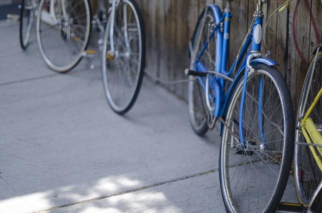 スタンドのない自転車